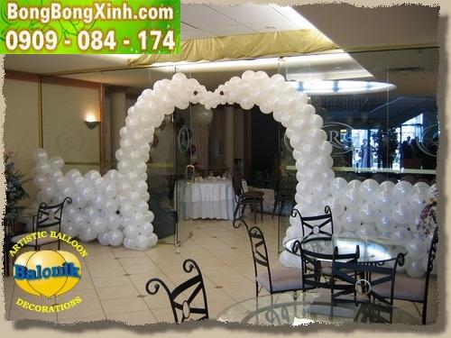 Trang trí cổng chào tiệc cưới hình trái tim đẹp 066