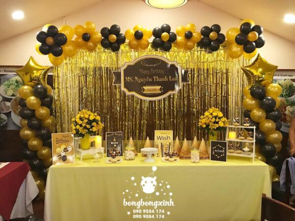 Bàn quà trang trí sinh nhật màu vàng đồng BQ138
