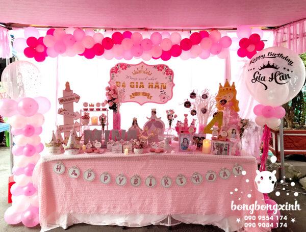 Trang trí bàn sinh nhật chủ đề công chúa màu hồng BQ142