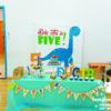 Bàn quà Dinosour  sinh nhật bé Đức Trí BQ149