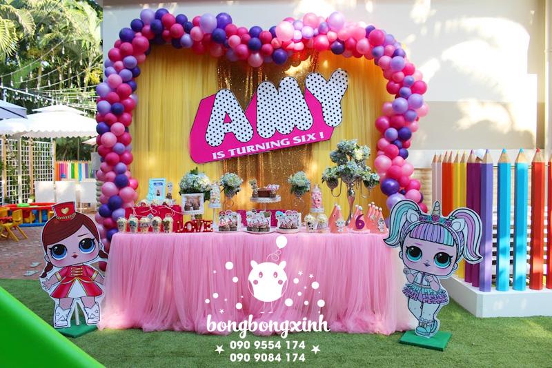 Trang trí bàn sinh nhật cho bé gái theo chủ đề Lol Surprise BQ166