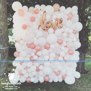 Backdrop tiệc cưới màu hồng trắng có chữ love BRC003