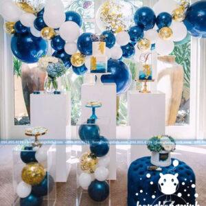 Trang trí backdrop nơi để bánh kem tiệc với bong bóng BRC007
