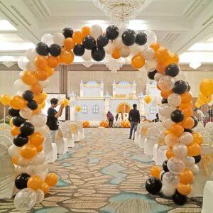Cổng chào sinh nhật bong bóng vòm trắng vàng và đen BBX042