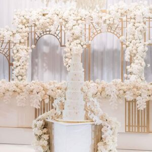Trang trí sân khấu tiệc cưới màu trắng BBX095