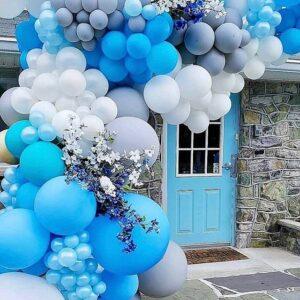 Dây bong bóng cùng hoa tươi trang trí cổng chào tiệc cưới BBX113
