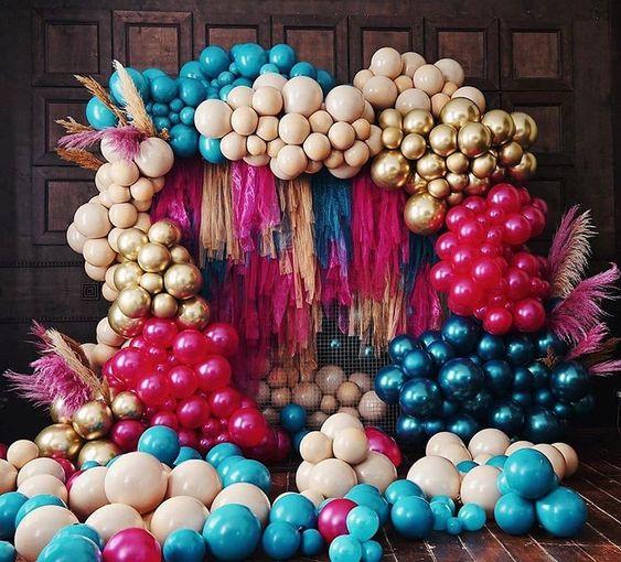 Backdrop tua rua đầy màu sắc cho tiệc cưới xinh đẹp BBX531