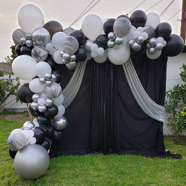 Backdrop sự kiện đen, trắng, bạc góc nhìn khác BBX313