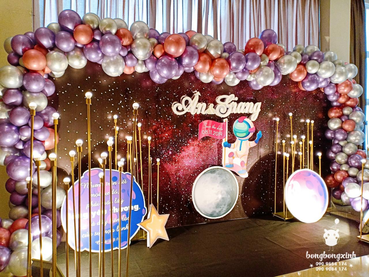 Tiểu cảnh tiệc cưới BBX101chủ đề vũ trụ góc nhìn 3