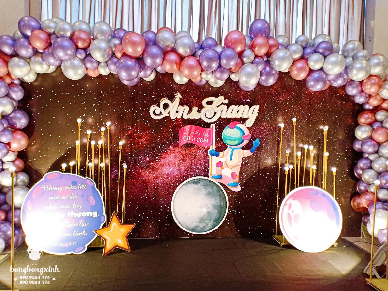 Tiểu cảnh tiệc cưới BBX101chủ đề vũ trụ góc nhìn 2
