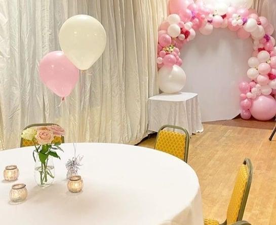 Góc bàn phòng tiệc trang trí cùng bộ sản phẩm sinh nhật BBX435