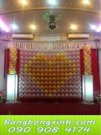 sân khấu tiệc cưới 028
