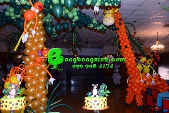 Bong bóng tạo hình số SBB014 có thể kết hợp cùng sân khấu sinh nhật 035