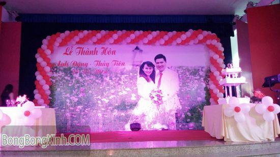 Trang trí sân khấu tiệc cưới 034