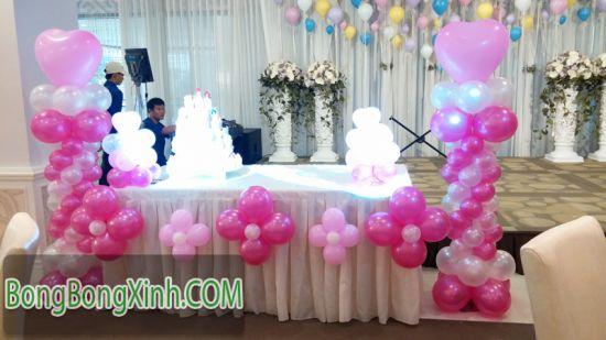 Bàn kí tên tiệc cưới màu hồng trắng xinh xắn 035