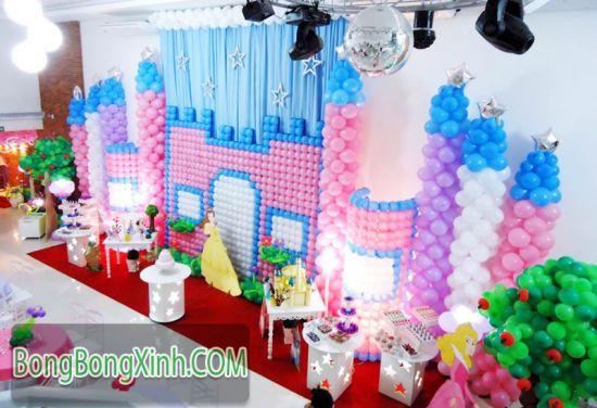 Trang trí sân khấu sinh nhật lâu đài công chúa 042