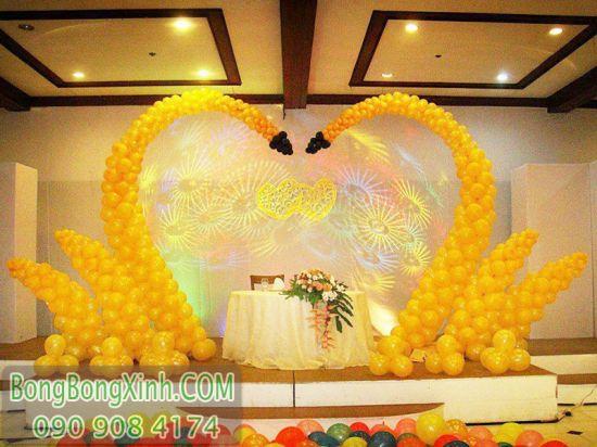 Trang trí sân khấu tiệc cưới hình thiên nga SS037