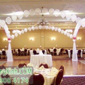 Trang trí đường dẫn tiệc cưới màu trắng DDTC035
