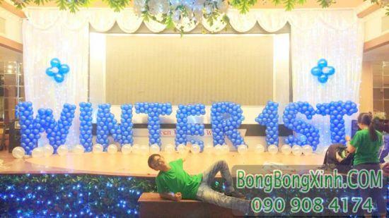 Trang trí bong bóng chữ trên sân khấu sự kiện CBB037