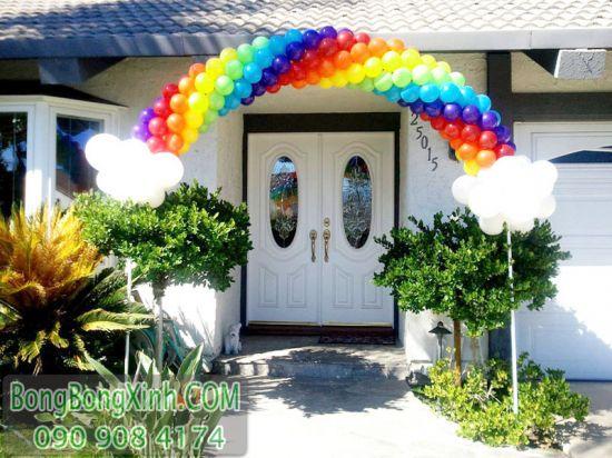 Cổng chào cầu vồng độc đáo trang trí sinh nhật tại nhà CB136