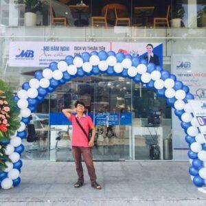 Cổng chào khai trương MB Bank