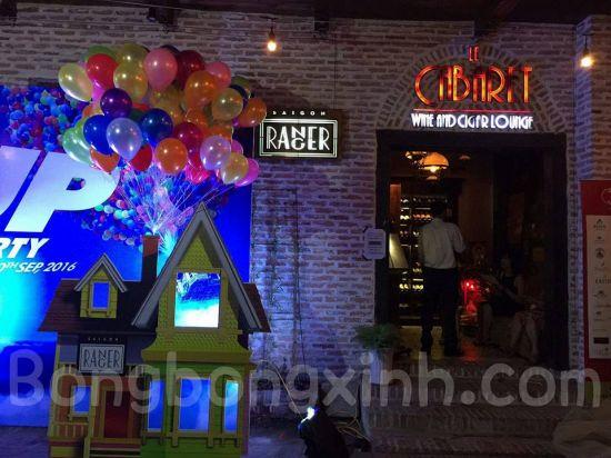Bóng bay trang trí sinh nhật tại quán UP