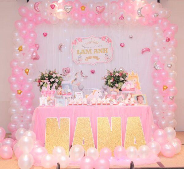 Bàn sinh nhật màu hồng cho bé gái BQ144