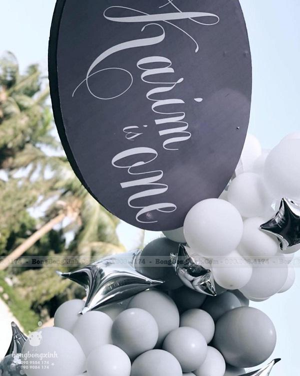 Trụ bong bóng bàn quà sinh nhật trọn gói