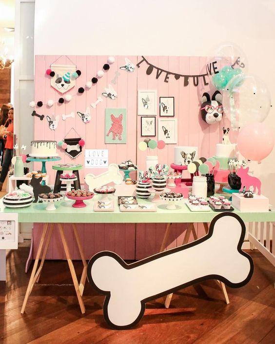 Bàn quà gallery sinh nhật chủ đề tuổi chó BBX022