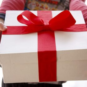 Top quà tặng 20/10 ý nghĩa và độc đáo dành cho mẹ, vợ, người yêu và cô giáo