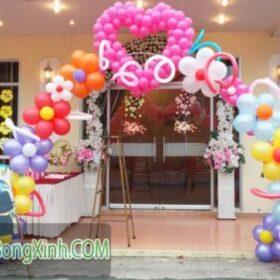 Chọn cổng chào bằng bong bóng thích hợp cho lễ cưới