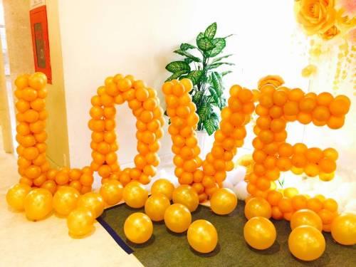 Trang trí tiệc cưới bong bóng chữ LOVE tại METROPOLE