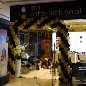 Trang trí cổng chào khai trương tiệm mỹ phẩm Zenno Eri International