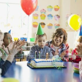 Hướng dẫn cách trang trí sinh nhật tại nhà đơn giản