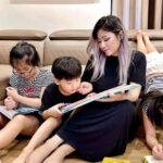 Hot mom Tia Liêu khoe khoảnh khắc bình yên đọc sách cùng con